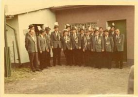 Königschießen 1962 - Schützenkönig Willi Bongard mit Rittern Heinz Bernardi und Josef Müller