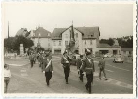 Schützenfest in Montabaur 1963, Schützengesellschaft Montabaur, an der Spitze Hauptmann Radke