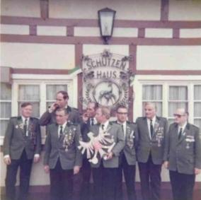Josef Schräder, Schützenkönig_1978 mit Rittern Jochen Thome und Helmut Kremers
