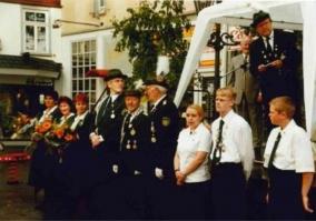 Wolfgang Pehl, Schützenkönig 2000 mit Lothar Millich und Rudi Noll
