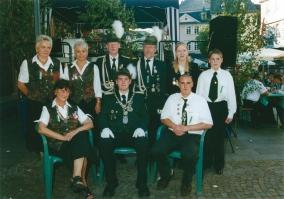 Schützenkönig Markus Platz, Schützenkönigin Wiltrud Schwarz und Jugendschützenkönig Mathias Ulbricht, 2002
