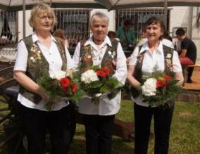 Ulrike Schmitzer, Schützenkönigin 2015 mit Andrea Auer und Wiltrud Schwarz