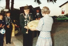 Werner ehrt die Bürger-Schützenkönigin