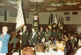 Wolfgang an der Fahne